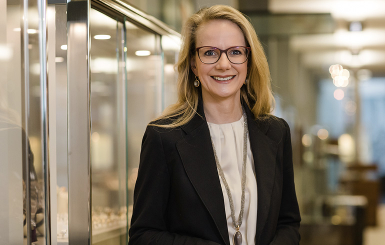 Christine Köhle-Wichmann - Geschäftsführerin Deutsche Schmuck und Uhren GmbH